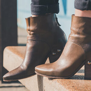 Tips to style different women's boots