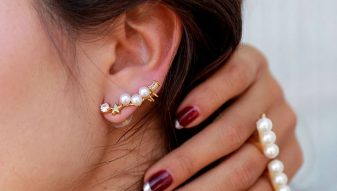 How to Wear Statement Earrings Like a Pro?